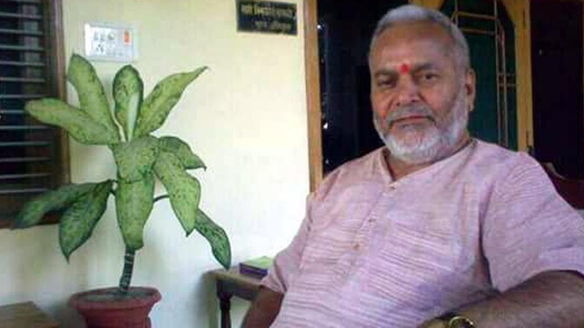 student-who-accused-chinmayanand-of-sexual-harassment-arrested-in-extortion-case-IndiNews