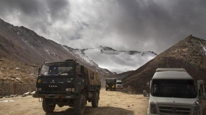 4-indian soldiers-injured-in-India-China-clash-serious-treatment-continue-IndiNews
